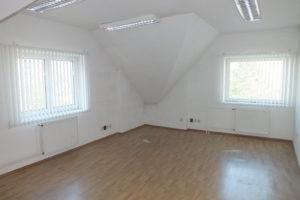 6_kancelář v patře