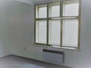 4_okno do dvora